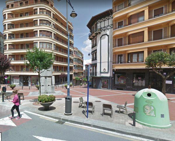 Urbanización del entorno de la Plaza Auzolan en Barakaldo