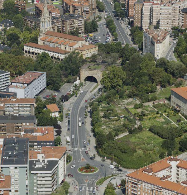 Transformación del tramo de ctra. de la BI-625 entre el Puente de La Salve y la Variante Este en vía urbana. Tramo 5