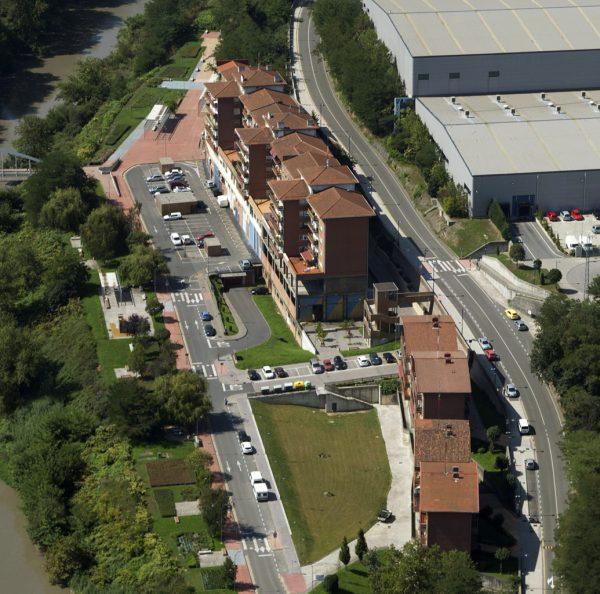 Obras de urbanización de la calle Lezama Legizamon y el Parque de Rivera en Etxebarri